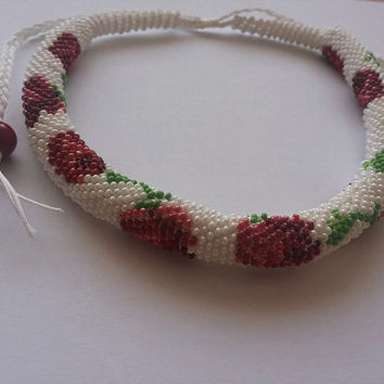 Roses bead crochet necklace