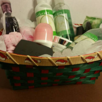Refreshing bath and body gift set. Gifts for her. Christmas gifts. On sale