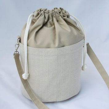 Large Beaudin Ditty Bag in Dune - Drawstring Duffle Bag -  Tan White Natural - Sailcloth Resort Boat Tote