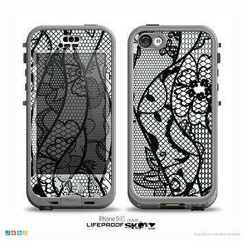 The Black and White Lace Design Skin for the iPhone 5c nüüd LifeProof Case