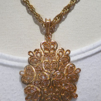 Vintage Double Gold Chain Necklace with Large Ornate Pendant Jewellry. Jewelry.