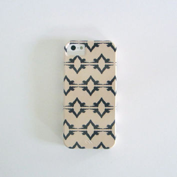 Modern iPhone 5 case l Ikat Owl Brown Cream l BARELY THERE geometric pattern redtilestudio