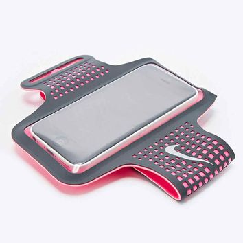 Nike Distance iPhone 6 Armband in Pink - Urban Outfitters
