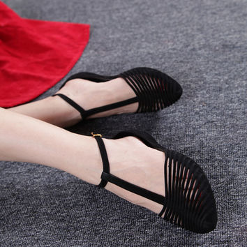 New fashion Vintage roman style lady flats jelly shoes pointed toe T-strap cut-outs flock sandals women summer beach shoes 34-40
