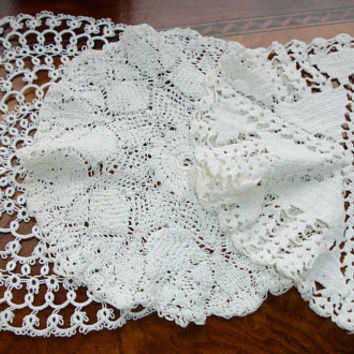Doilies, Lot of 3, White doilies, handmade, hand crocheted, Round doilies, Centerpiece doilies, accent doilies, cottage chic decor, 1950s