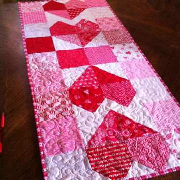 Quilted Table Runner - Surrounded by Love - Valentine Home decor