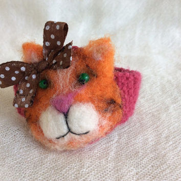 Girls bracelet crochet jewelry cat kitten animal ginger needle feltted felting pink free shipping cute unique gift one of a kind OOAK USA
