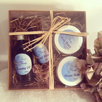 Organic Skincare Gift set Cleansing oil 100ml Facial Serum with Tangerine 30ml Rescue Balm 75ml and a Rose Geranium Body Butter 100ml.