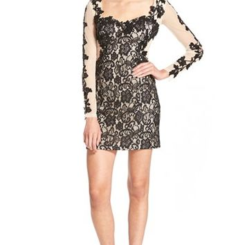 Junior Women's Steppin Out Illusion Lace Body-Con Dress,