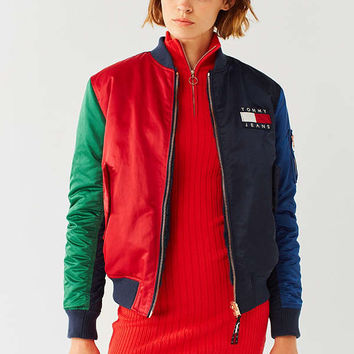 Tommy Jeans '90s Reversible Bomber Jacket | Urban Outfitters