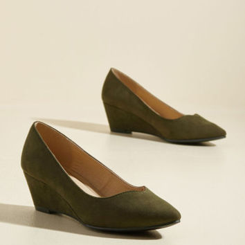 Light on Your Feat Wedge in Pine | Mod Retro Vintage Heels | ModCloth.com