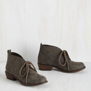 Menswear Inspired Tour Date Bootie in Pavement