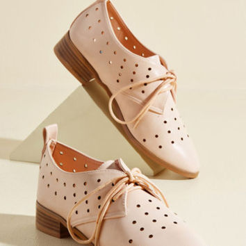 Inspiring Excursion Flat in Blush | Mod Retro Vintage Flats | ModCloth.com