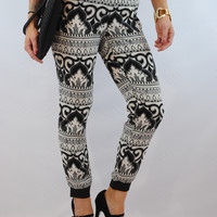 (anj) Black and white abstract print jogger pants