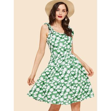 Plus Size Green Floral Print Self Tie Dress