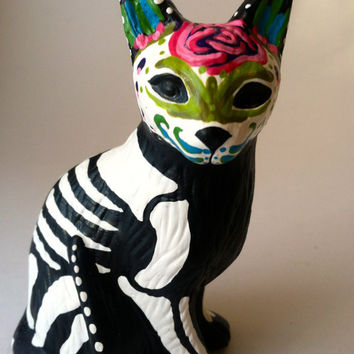 Day of the dead cat sculpture hand painted cat figurine Dia de los muertos pet memorial sugar skull kitten halloween decor cat skeleton
