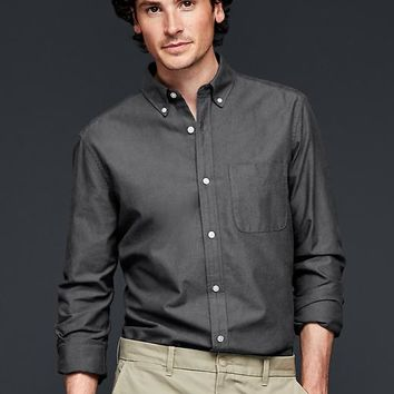 Gap Men Solid Oxford Shirt