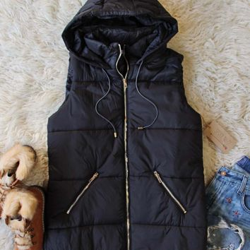 Glacier Park Vest in Black