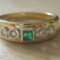Vintage Bezel Diamond & Colombian Emerald Wedding Band Ring, Anniversary Ring 18k Solid Gold Size 8 Emerald Cut Emerald