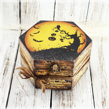 Trick-or-Treat Halloween Wooden Box ,Halloween decor , Hexagon box