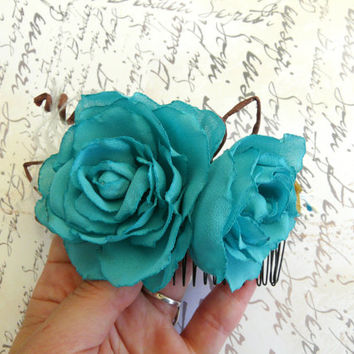 Blue Hair Comb, Shabby Chic Flower comb, Blue Wedding Comb, Beach Bridal Hair Accessory, Blue Flower Comb, Turquoise Bridal Comb,