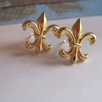 Tiny Fleur de Lis Vintage Style Vintage Inspired Earrings Fleur de Lis Studs Vintage Studs Plastic Button Post Earrings Gifts for Her