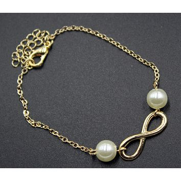 Multi-level necklace, street shooting personality even refers to the lucky 8 words, the Roman numerals 8