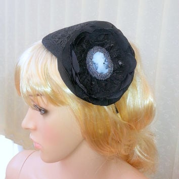 Black Fascinator, Ascot Derby races, Kentucky Derby, British Tea Party Fascinator, Wedding hat, evening fascinator, Racing Fashion, hedband