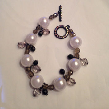 Trendy Pearl Dangle Bracelet