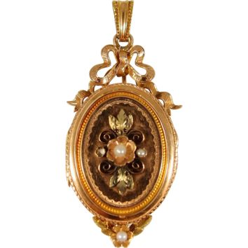 Victorian era 18K solid gold photo locket with pearls, stamped yellow and green gold, glass divider, memento mori