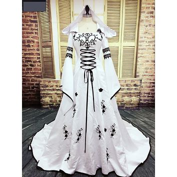 Medieval Wedding Dress Custom Made Embroidery A Line White And Black Satin Wedding Dress