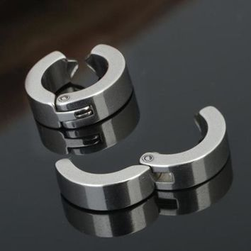 Fashion 1 Piece No Piercing Earrings Punk Style Titanium Steel Men's Women Round Ear Clip On