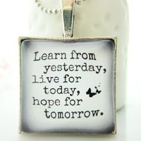 Lesson Learnt Quote Glass Necklace .. on Luulla