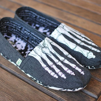 Skeleton Boney Feet Vegan Toms Classics - Mens sizes