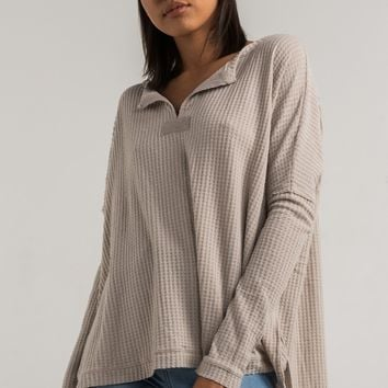AKIRA Black Label Long Sleeve Fine Waffle Knit Loose Fit Thermal Henley Sweater in Taupe