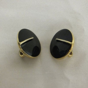 Vintage 1950s Trifari Black Enamel Earrings / Gold tone / Oval Shaped / Signed Trifari