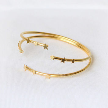 Little Stars Bangle in gold, stars bracelet