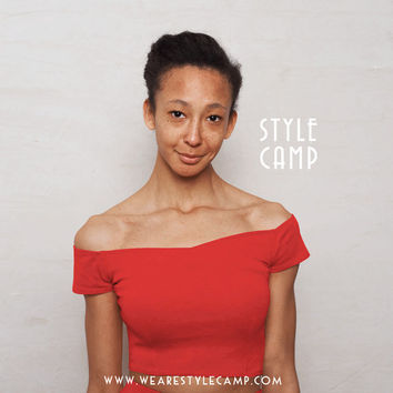 Coco Off Shoulder Sweetheart Crop Top in Bright Red