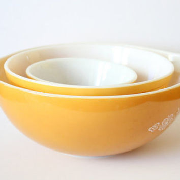 1972 Pyrex Butterfly Gold Set Of 3 Nesting Bowls / Pyrex Cinderella / Retro Bowls / Retro Ovenware / Vintage Ovenware / Made In The USA