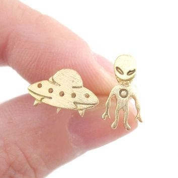Alien and UFO Space Ship Shaped Stud Earrings in Gold   DOTOLY