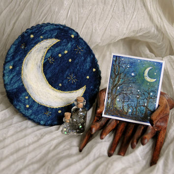 Needle Felted Crescent Moon Pouch with Crescent Moon Painting, Labradorite, Silver Stars