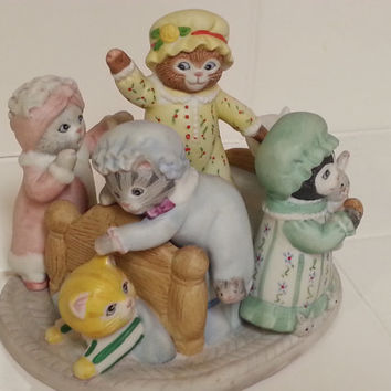 "Schmid Collectible Music Box, Cat Pajama Party, Kitty Pillow Fight, 5 Kittens in Night Gowns on Bed, Plays ""Thank Heaven for Little Girls"""