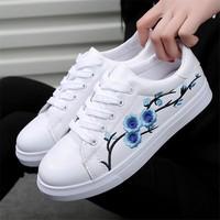Designer White Shoes Woman Platform Loafers Embroidered