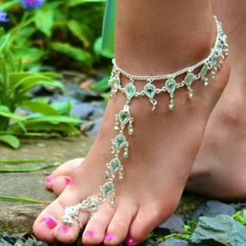 Beautiful Silver Diamante Toe Anklet from LullaBellz