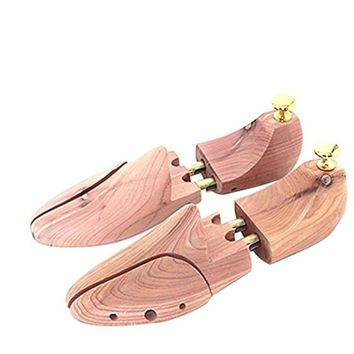 Pair of Wooden Shoe Tree Stretcher Shaper Keeper with Adjustable Width - EU Size 41-42