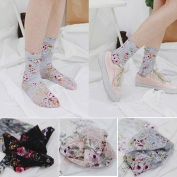 Fashion Women Lace Floral Ruffle Fishnet Ankle High Socks Mesh Loose Socks