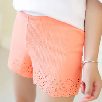 2016 New Summer Short Pants Cotton Openwork Hollow Out Lace Shorts Women Elastic Waist Shorts