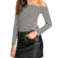 Black And White Striped Off-shoulder Long Sleeve Bodycon T-shirt