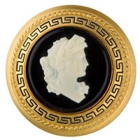 GONE WITH THE WIND SCARLETTMS CAMEO BROOCH PREMIUM,IN HIGH GRADE.