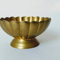 Vintage brass shell design desk accessory 1960s, home decor loose change, pocket change dish